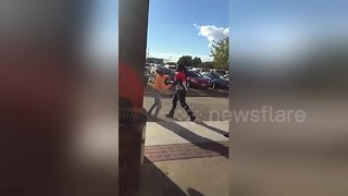 Fight outside Chicago Chuck E. Cheese - Video