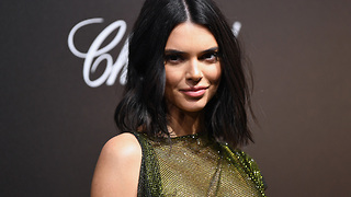 Kendall Jenner In A Car ACCIDENT!