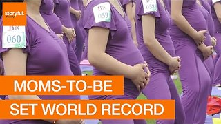 Over 500 Expectant Mothers Set World Record With Yoga Class - Video