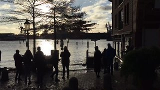 Hamburg Homes Evacuated Due to Rising Floodwaters - Video