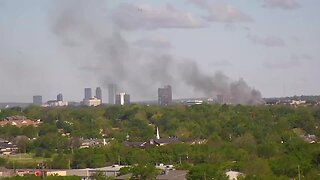 Tower cam catures smoke from apartment fire
