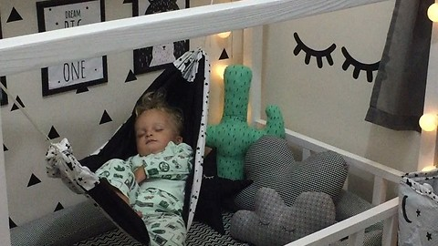 This Comfy Baby Sleeps Peacefully In Bedroom Hammock And It Looks So Amazing