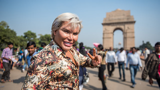 Human Ken Doll Rodrigo Alves Explores Delhi | HOOKED ON THE LOOK - Video