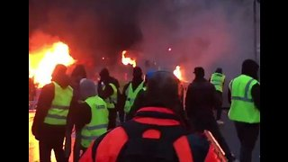 Scenes of Chaos Captured in Central Paris as Yellow Vest Protest Turns Violent