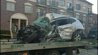 Garbage truck involved in multiple-car crash in Brooklyn - Video