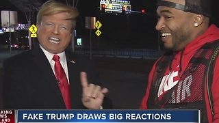 Trump impersonator takes on Las Vegas - Video