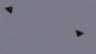 Unidentified Triangular Objects Spotted Flying Over Syria - Video