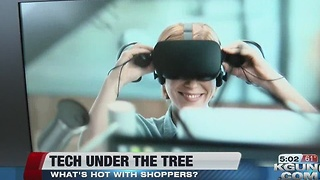 Top tech attracts last minute shoppers - Video