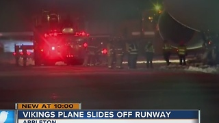Minnesota Vikings plane slides off taxiway upon arrival  in Appleton - Video