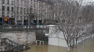 Banks of Seine Flooded After Persistent Heavy Rain in Paris - Video