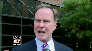 Gubernatorial candidate Bill Schuette campaigns in East Lansing - Video