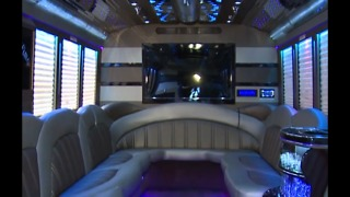 Cleveland area limo companies say a 'scammer' is hurting business, leaving customers in the lurch - Video