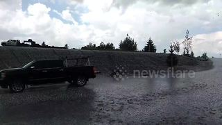 Severe hailstorm batters Bozeman, Montana - Video