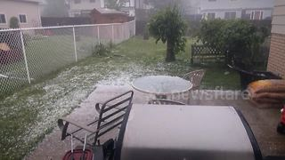 Severe hailstorm in London, Ontario - Video