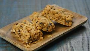 Berry Nuts Granola Bars - Video
