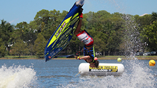 Guy completes 11 consecutive back flips on jet ski before crashing - Video