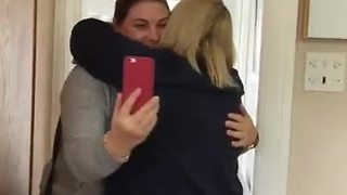 Woman surprises her cousin after 11 years apart