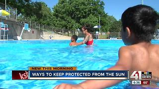 How to apply sunscreen to keep your skin safe - Video