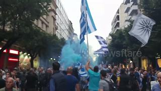 Greece protesters hurl chairs at riot police over Macedonia name deal