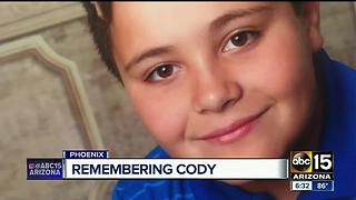 Phoenix community to honor memory of Cody Flom a year after he passed away while hiking - Video