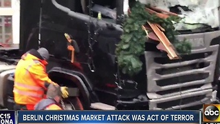 Latest Tuesday on Berlin Christmas market attack - Video