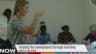 Helping the unemployed through learning - Video