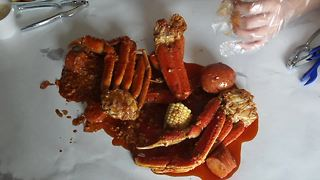 At The Table: Fat Tuesday with Crab In A Bag - Video