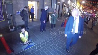 John Major leaves China Exchange in Chinatown - Video