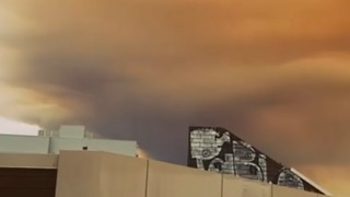 'Apocalyptic' Smoke From Bushfire Blankets Perth - Video