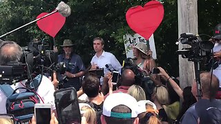Beto O'Rourke Speaks at Migrant Detention Center in South Florida