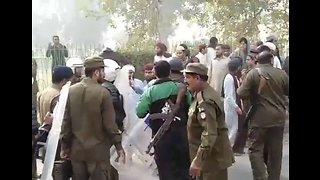 Police Clash With Protesters in Lahore Following Blasphemy Ruling