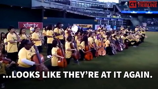 Band Kneels For Anthem - Video