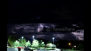 Stunning lightning storm time-lapse - Video