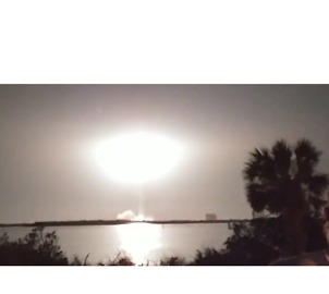 Crowds Cheer as Delta IV Rocket Launches Military Satellite From Cape Canaveral - Video