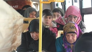Evacuees From Kefraya and Foua Arrive in Aleppo as Militants Depart - Video