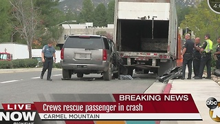 Crews rescue passenger in crash - Video