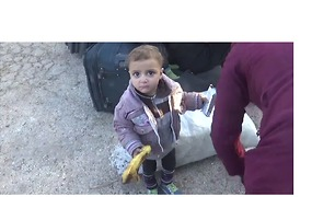 Babies and Children Among the Hundreds Arriving in Countryside Outside Aleppo - Video