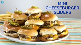 How to make delicious mini cheeseburger sliders - Video