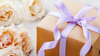 4 Registry Etiquette Tips & Tricks to Get the Perfect Gift