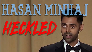 Hasan Minhaj HECKLED at the white house correspondents dinner. - Video