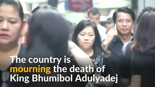 Thailand back in black to mourn King Bhumibol Adulyadej - Video
