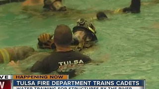 Tulsa fire throws its cadets into the water - Video