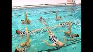 Czech synchronized swimmers - Video