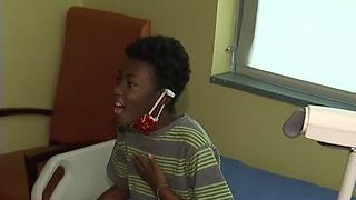 Strangers help child dying from cancer fulfill last wishes - Video