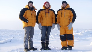 Explorers Attempt First Unsupported Crossing Of Treacherous Arctic Passage - Video