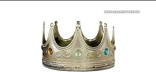 Notorious BIG's crown auctioned for $600,000