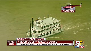 River Queen breaks loose on Ohio River