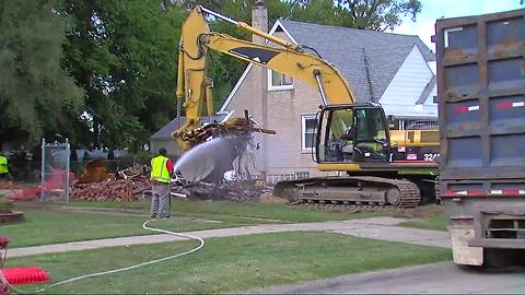 Detroit home demolitions may create new problem: lead-tainted dust
