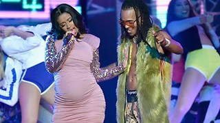 Pregnant Cardi B's SURPRISES Latin Billboard Awards With Amazing Performance! - Video
