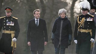 France And UK Work Through Border Issues In Summit - Video